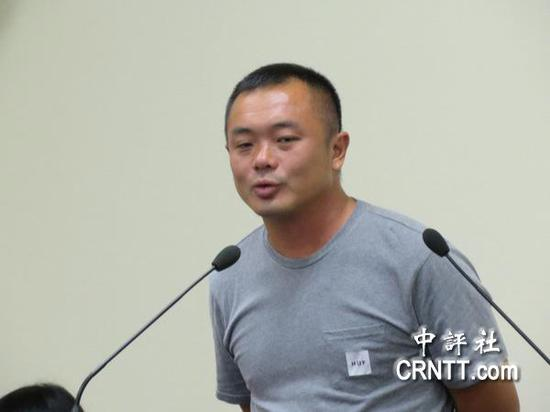 潘建鹏出席国民党中常会。